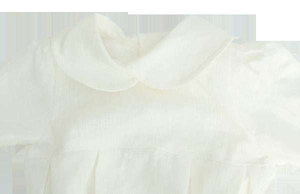 Minimundus dopklänning av 100% ekologiskt lin med krage detalj