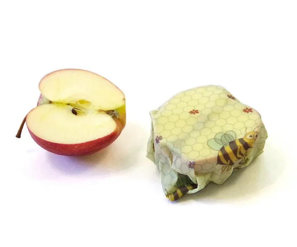 Beeskin det naturliga, återanvändbara och hållbara alternativet till plastfolie. Förvara maten giftfritt, enkelt och smart