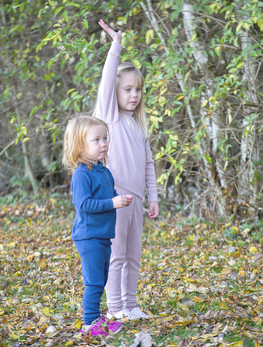 Minimundus underställ av 100% ekologisk ull blå och rosa
