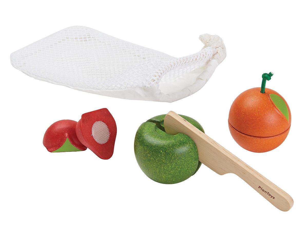 Litet fruktset av gummiträ i påse PlanToys jordgumme, apelsin och äpple samt kniv av trä att skära med