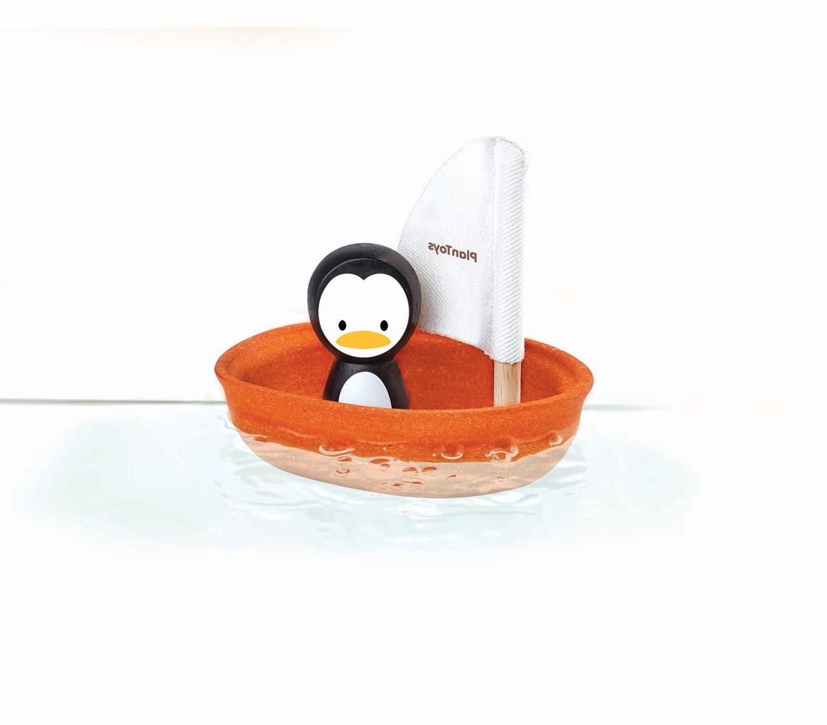 Badbåt pingvinens segelbåt av PlanWool PlanToys