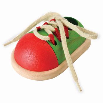 Lära knyta sko från PlanToys hjälper barnet att lära sig knyta